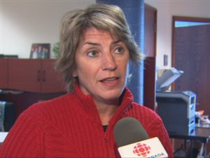 La député libérale Danielle St-Amand présente ses excuses