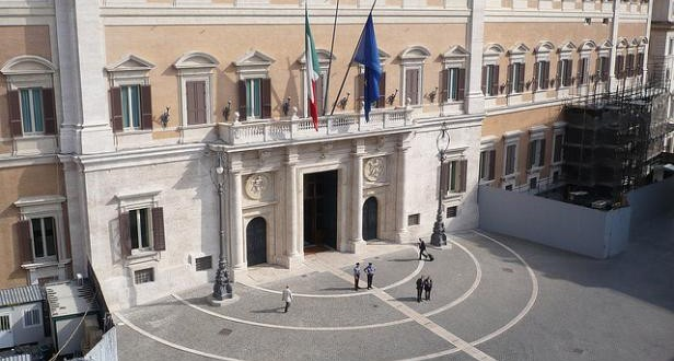 Elections législatives en Italie : Une coalition improbable