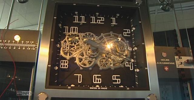 Une Horloge de 1500 kilos et 3,5 mètres a été offerte au Québec par le Canton du Jura