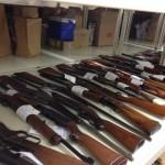 90 armes à feu saisies à Sherbrooke : Un homme de 54 ans arrêté