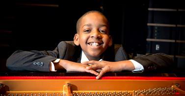 Daniel Clarke Bouchard : Le jeune pianiste rencontre Jonathan Quick grâce à Ellen DeGeneres