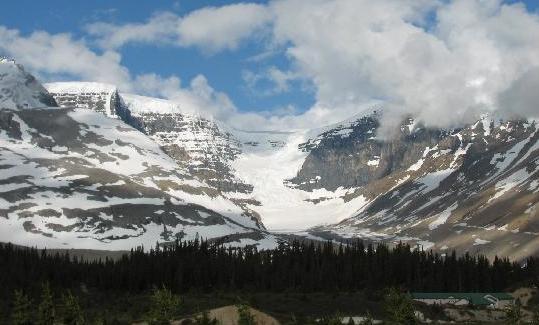 Le glacier Athabasca fond d'une façon substantielle : Plus de 5 mètres annuellement