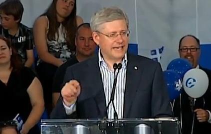 Un discours électoral pour Stephen Harper et fédérateur pour Philippe Couillard