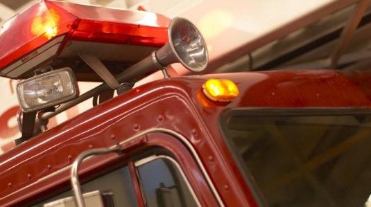 Un immeuble ravagé par les flammes à Montréal