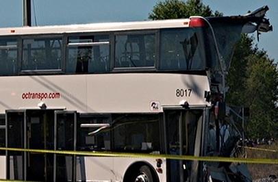 Le BST présente ses recommandations suite à la collision entre un bus d'OC Transpo et un train de VIA Rail