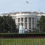 L'intrus de la Maison Blanche avait 800 cartouches dans sa voiture : Il risque 10 ans de prison
