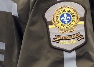 Poursuite policière à Coaticook : Une femme armée a été arrêtée