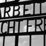 Camp nazi de Dachau : La porte avec l'inscription « Arbeit macht frei » a été dérobée