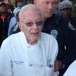 Un homme de 90 ans arrêté pour avoir nourri des sans-abris en Floride