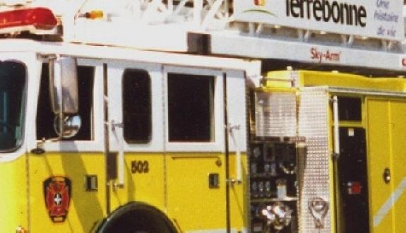 Incendie à Terrebonne : Deux commerces lourdement endommagés par les flammes