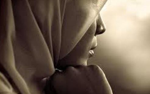 Une juge de la Cour du Québec refuse d'entendre la cause d'une musulmane portant le hijab