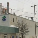 Violent incendie dans une usine de recyclage de pneus à Beauceville