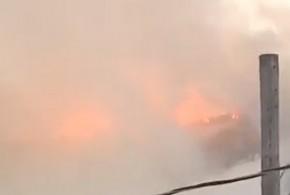 Un violent incendie a ravagé un immeuble à logement à Jonquière