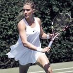 Eugenie Bouchard : La robe de Nike qui fait jaser