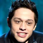 Hilary Clinton : Un tatouage sur la jambe de Pete Davidson