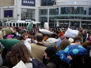 Flash mob Bill Wasik 2003 : Environnement de l'entreprise