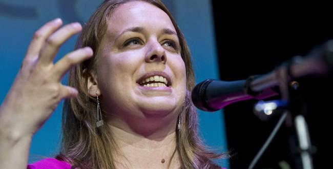 Martine Desjardins : L'ancienne présidente de la FEUQ approchée par le PQ