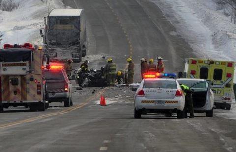 Une sexagénaire décède suite à une collision frontale survenue à Sainte-Anne-des-Monts