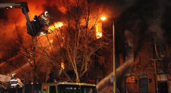 Montréal : Un incendie a complètement ravagé une cinquantaine de logements sociaux