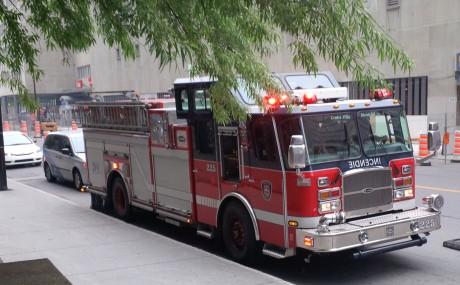 Un violent incendie ravage un immeuble à Bedford : Une dizaine de personnes évacuées