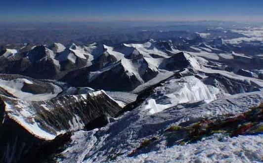 Everest : Une importante avalanche cause le décès de 12 guides