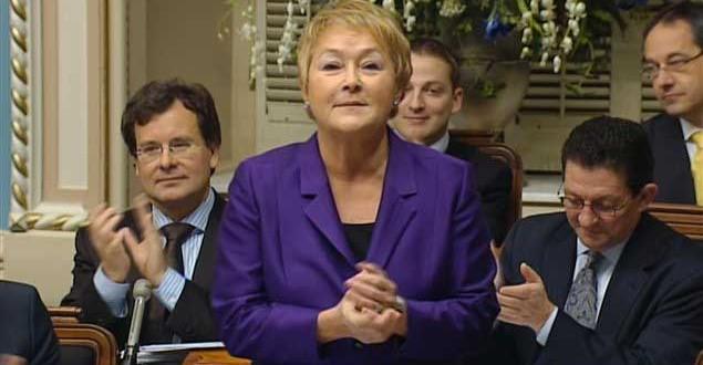 Le Parti Libéral en tête et Pauline Marois reste confiante en ce jour J