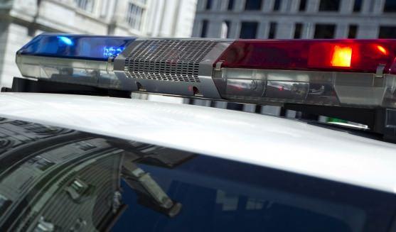 Les tirs des policiers atteignent et tuent le voleur