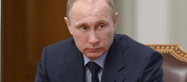 Ukraine : Vladimir Poutine nie les accusations d'ingérence russe