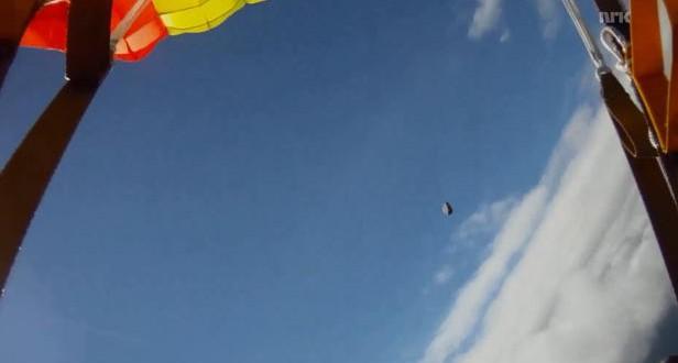 Un parachutiste échappe au pire : Une météorite le frôle et passe à quelques mètres de lui