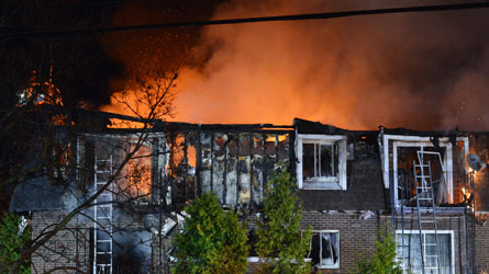 Incendie à Hudson : Un immeuble à logements ravagé par les flammes