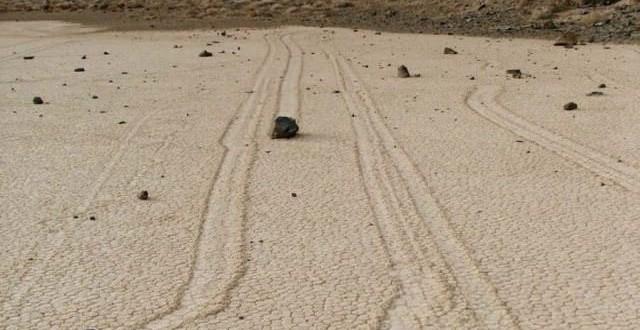 Les pierres mouvantes : Un grand mystère