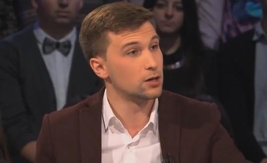 Gabriel Nadeau-Dubois donne sa bourse de 25 000$ pour la campagne « Coule pas chez nous »
