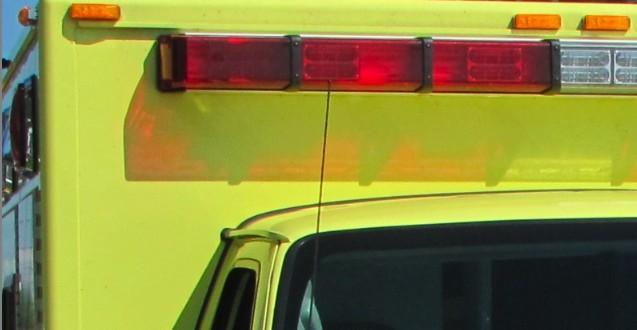 Un piéton d'une vingtaine d'années happé mortellement par un camion à benne à Montréal