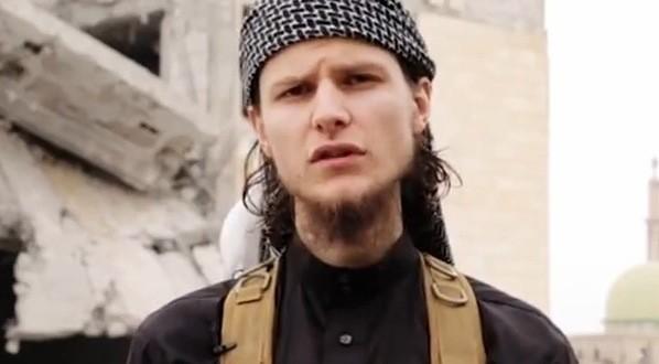 Un Canadien qui a joint le groupe armé EI profère des menaces terroristes envers le Canada