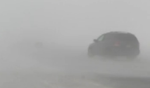 Poudrerie et vents violents : Fermeture de l'autoroute 20 et de la route 132