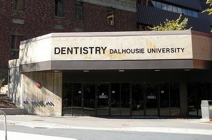 Université Dalhousie : La plainte des quatre professeurs a été rejetée