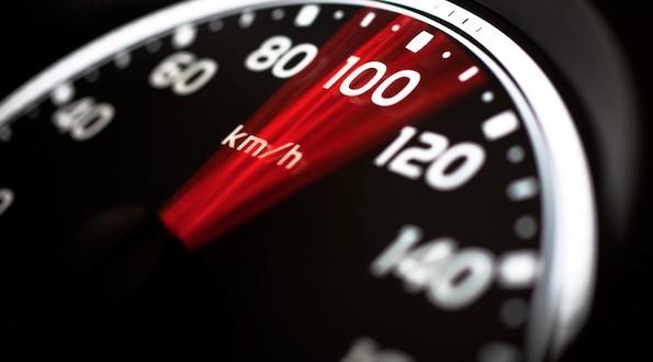 La nouvelle campagne de la SAAQ vise la vitesse au volant