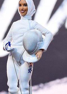 Barbie: Une poupée voilée en l'honneur de l'escrimeuse Ibtihaj Muhammad